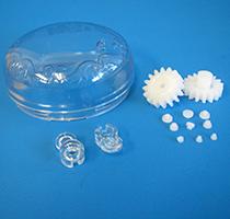 プラスチック部品